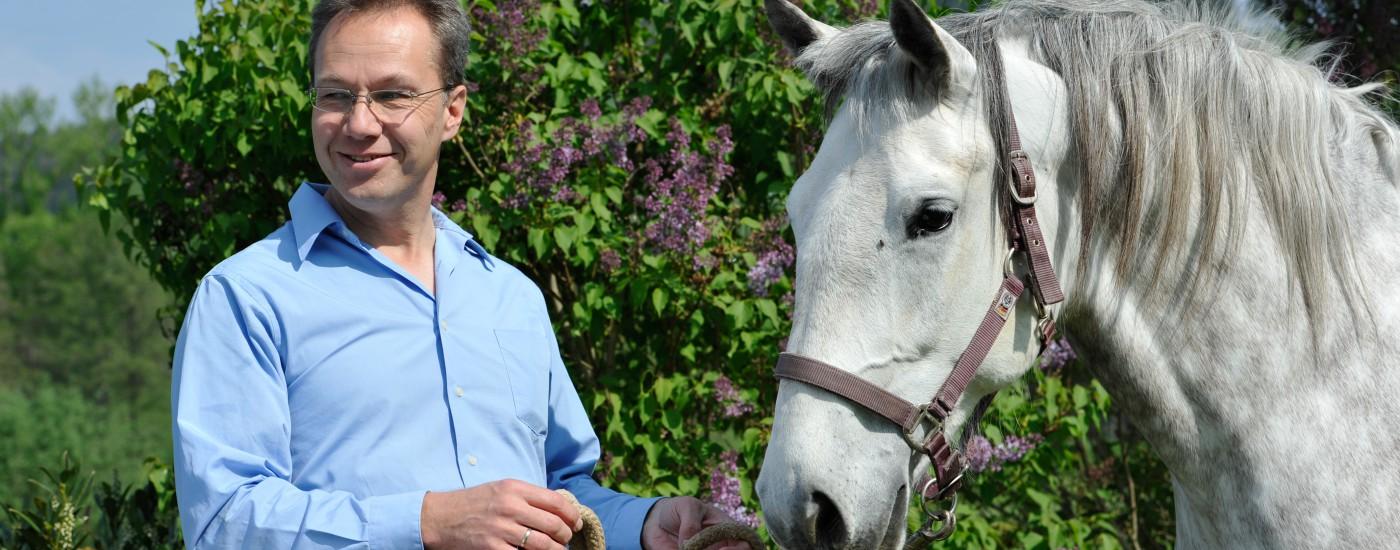 Dressurausbilder Dr. Thomas Ritter mit meiner Lipizzanerstute